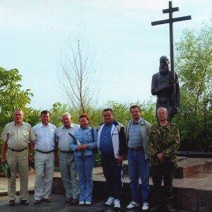 Памятник верующему старообрядческой веры в г. Вилково